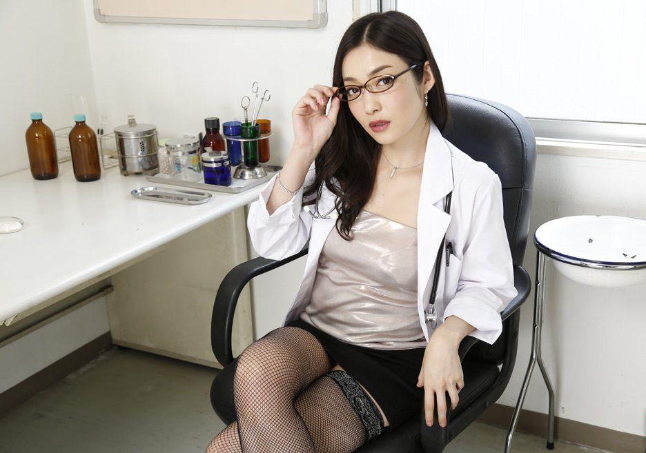 女医 コスプレ エロ画像 09