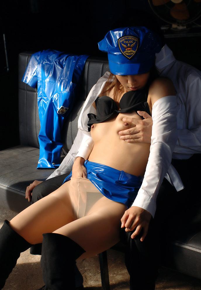 婦警 ミニスカポリス エロ画像 21