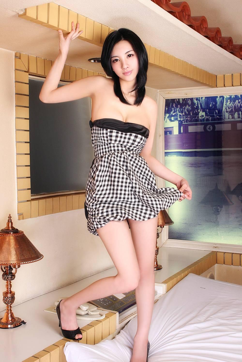 三次元 3次元 ミニスカ 美脚 エロ画像 べっぴん娘通信 10