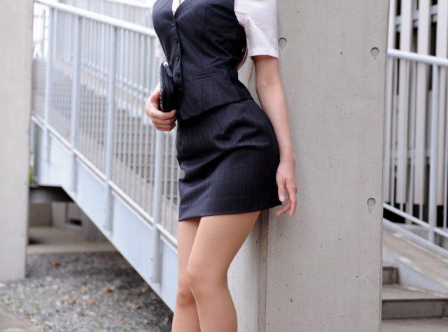 三次元 3次元 エロ画像  スーツ  スカートスーツ OL べっぴん娘通信 01