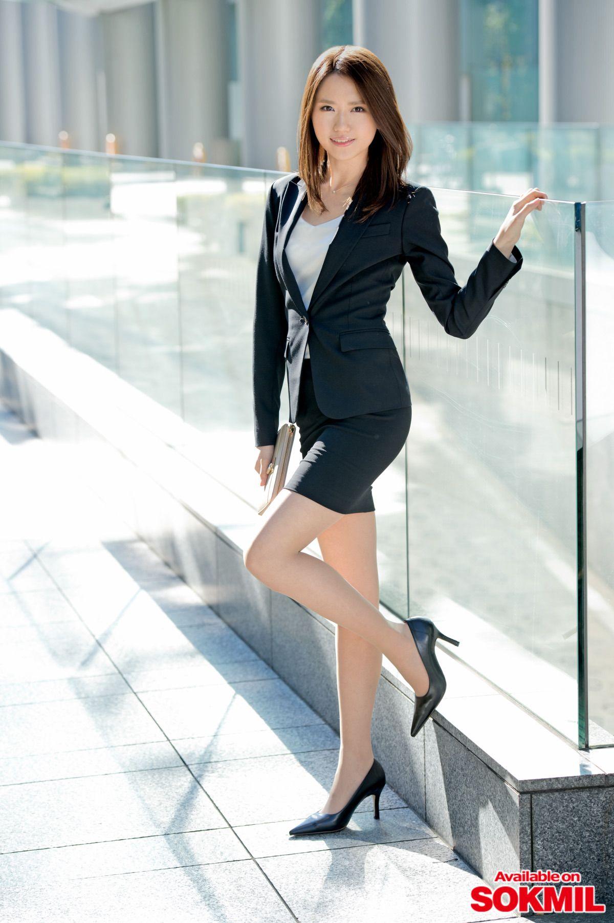 三次元 3次元 エロ画像  スーツ  スカートスーツ OL べっぴん娘通信 20