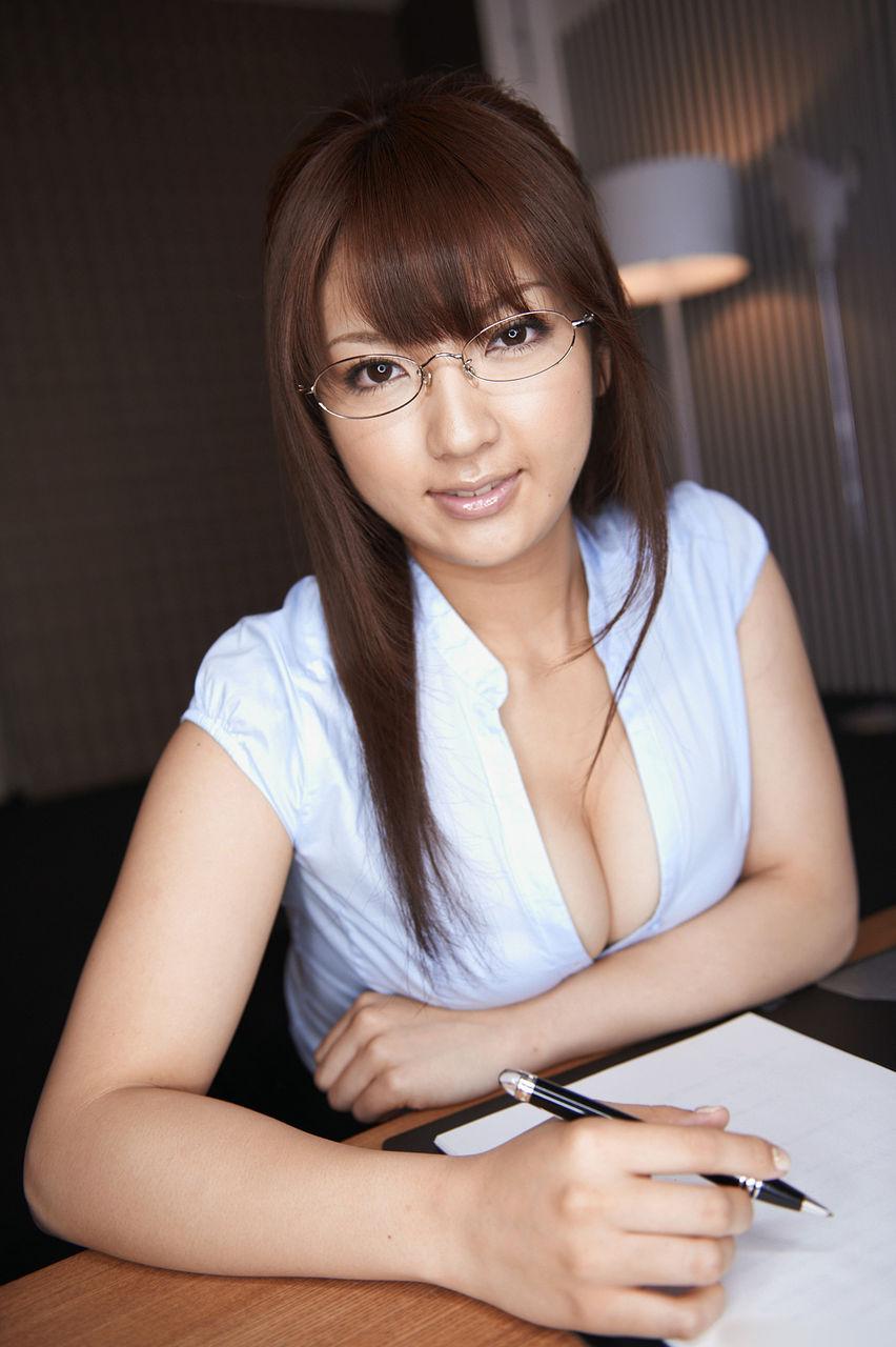 三次元 3次元 エロ画像 女教師 谷間 べっぴん娘通信 28