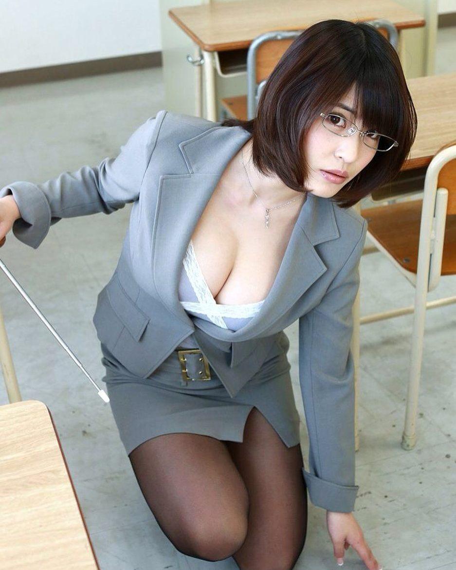 三次元 3次元 エロ画像 女教師 谷間 べっぴん娘通信 39