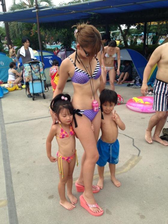 三次元 3次元 エロ画像 素人 水着 ビキニ 海 ビーチ プール べっぴん娘通信 34