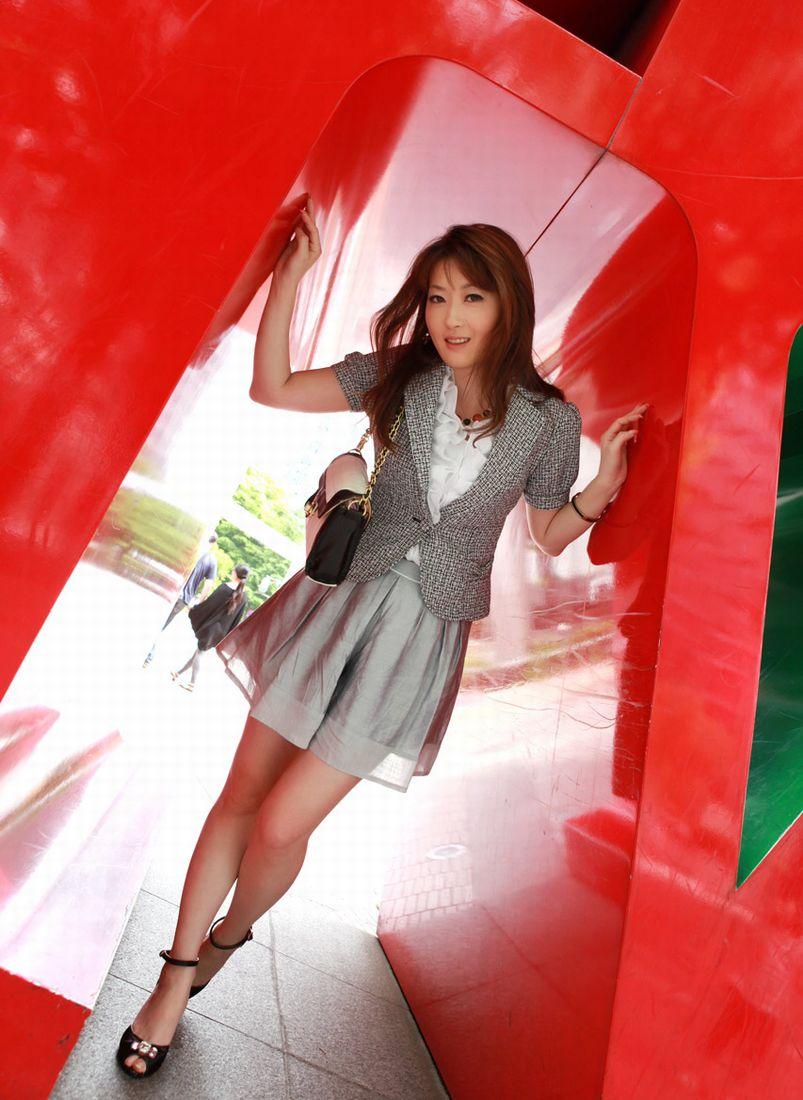 三次元 3次元 エロ画像  スーツ べっぴん娘通信 09