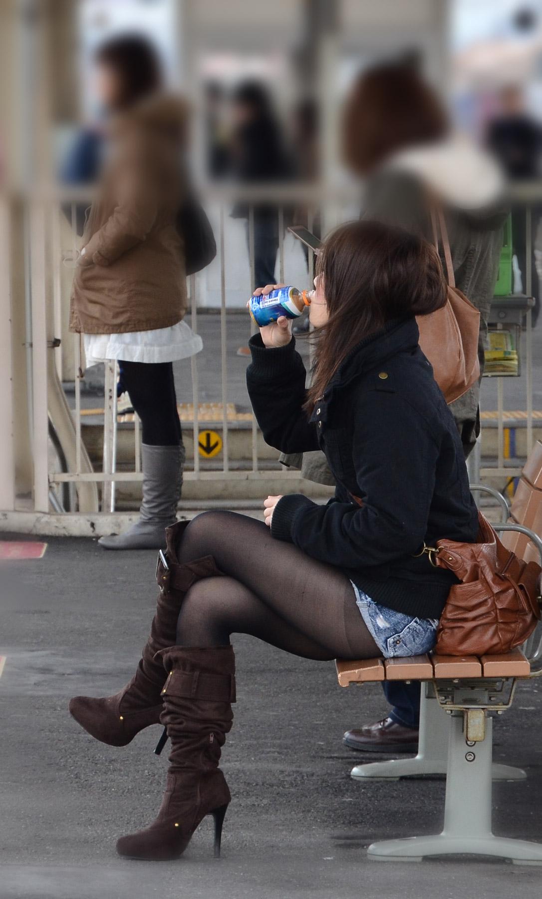 三次元 3次元 エロ画像 黒パンスト 街撮り 素人 美脚  べっぴん娘通信 35