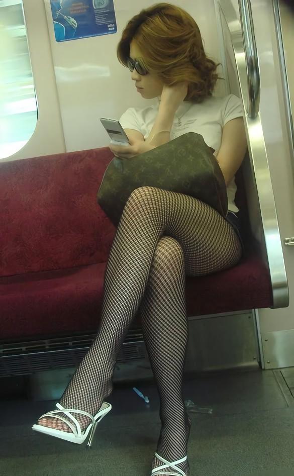 三次元 3次元 エロ画像 足を組む 美脚 べっぴん娘通信 03