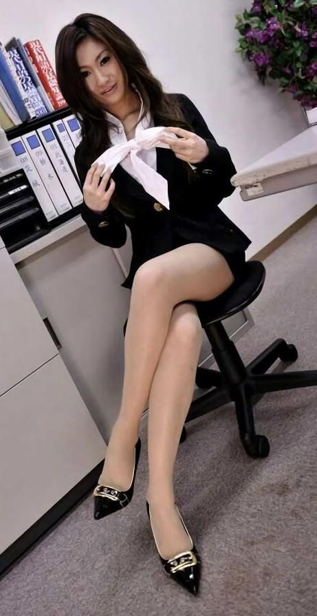 三次元 3次元 エロ画像 足を組む 美脚 べっぴん娘通信 11