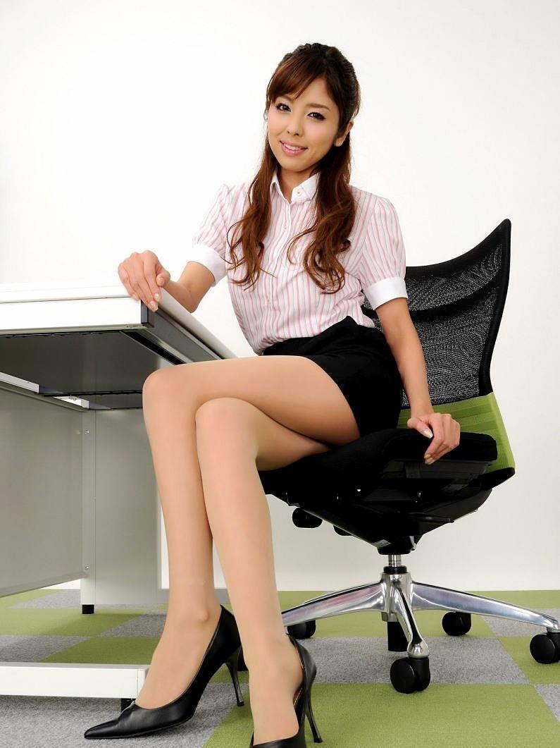 三次元 3次元 エロ画像 足を組む 美脚 べっぴん娘通信 24