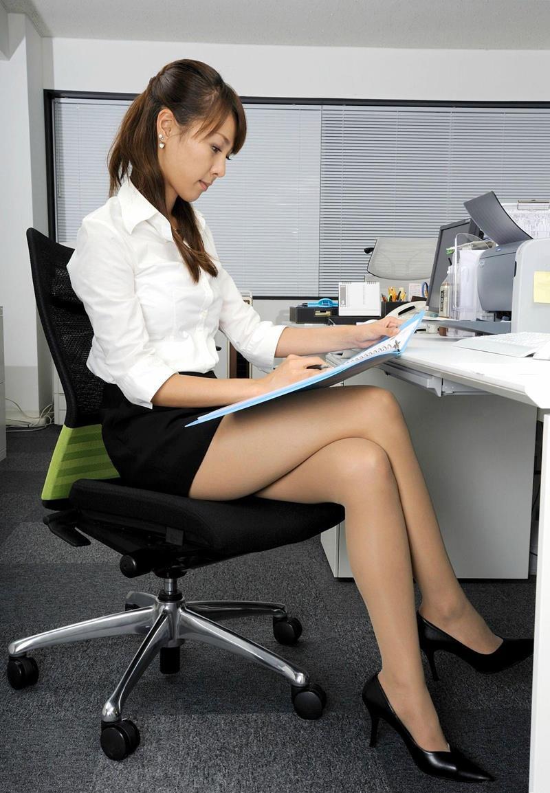 三次元 3次元 エロ画像 足を組む 美脚 べっぴん娘通信 25