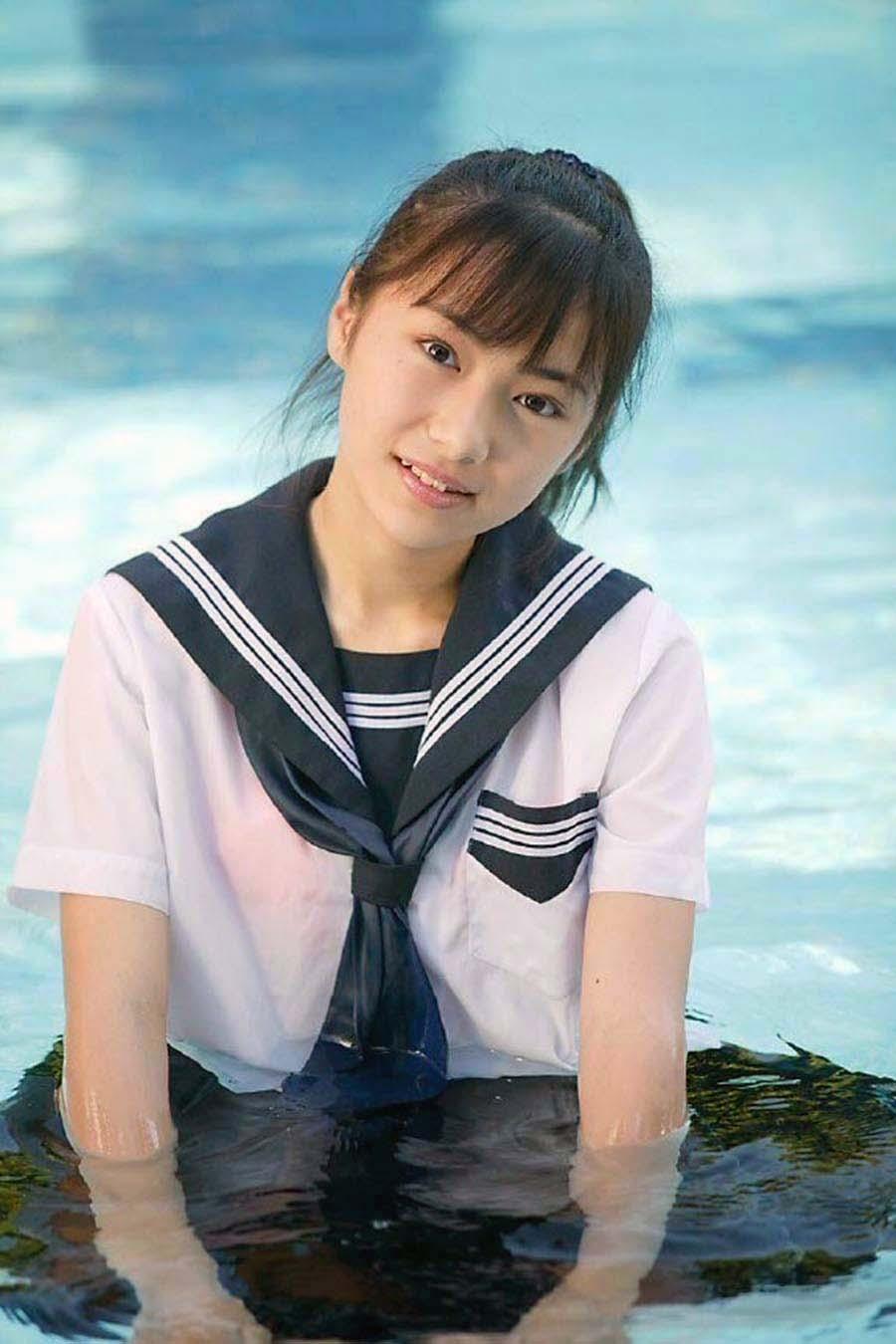 三次元 3次元 エロ画像 JK 女子校生 透け透け ずぶ濡れ べっぴん娘通信 10