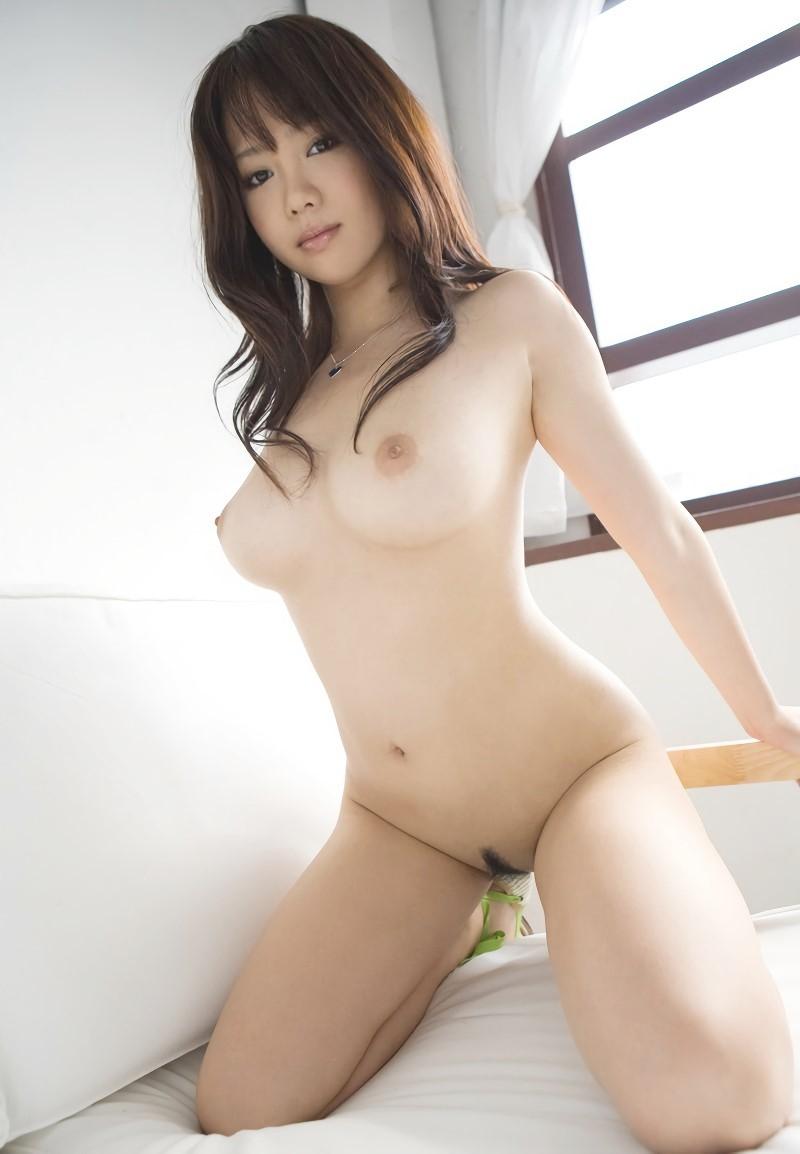 三次元 3次元 エロ画像 膝立ち ヌード おっぱい 美乳 巨乳 べっぴん娘通信 01
