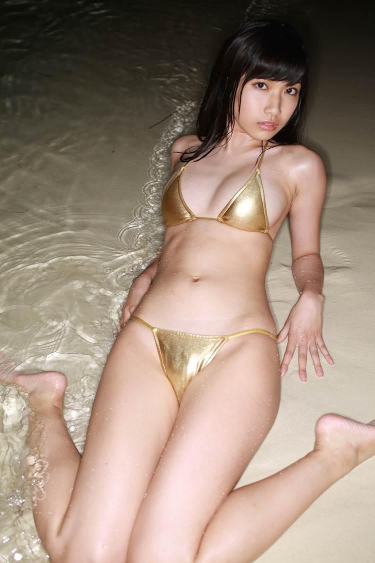 三次元 3次元 エロ画像 ビキニ 金色 水着 べっぴん娘通信 01