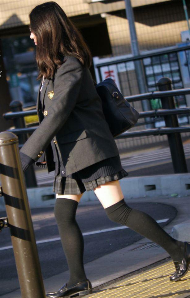 三次元 3次元 エロ画像 女子校生 ニーソ JK 制服 美脚べっぴん娘通信 021