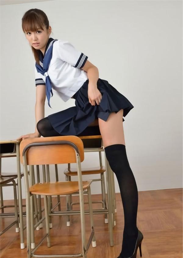 三次元 3次元 エロ画像 女子校生 ニーソ JK 制服 美脚べっぴん娘通信 025