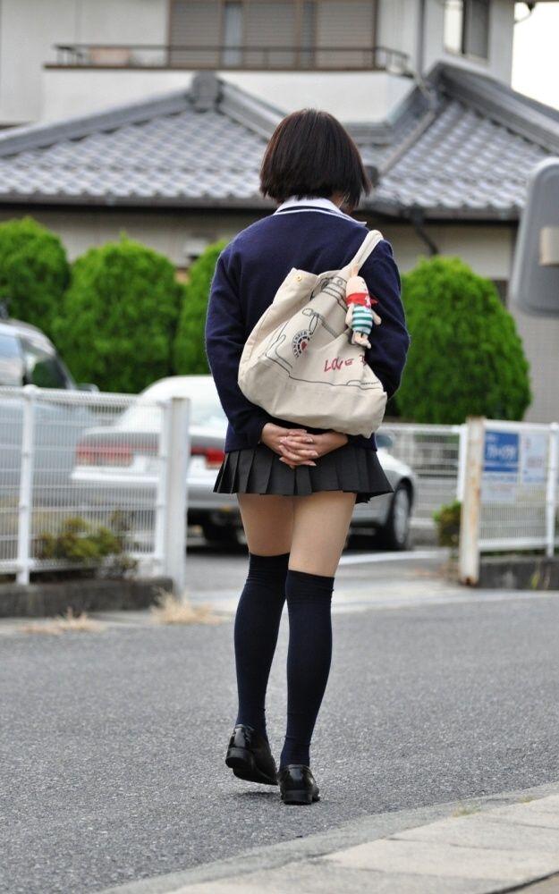 三次元 3次元 エロ画像 女子校生 ニーソ JK 制服 美脚べっぴん娘通信 032