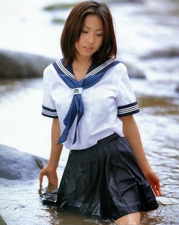 三次元 3次元 エロ画像 ずぶ濡れ 透け透け 女子校生 JK べっぴん娘通信 035