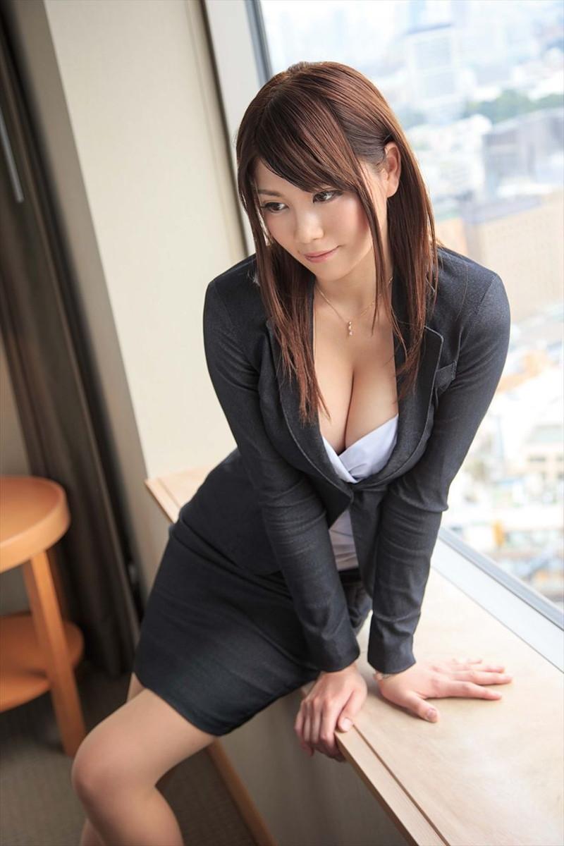 三次元 3次元 エロ画像 スーツ べっぴん娘通信 008