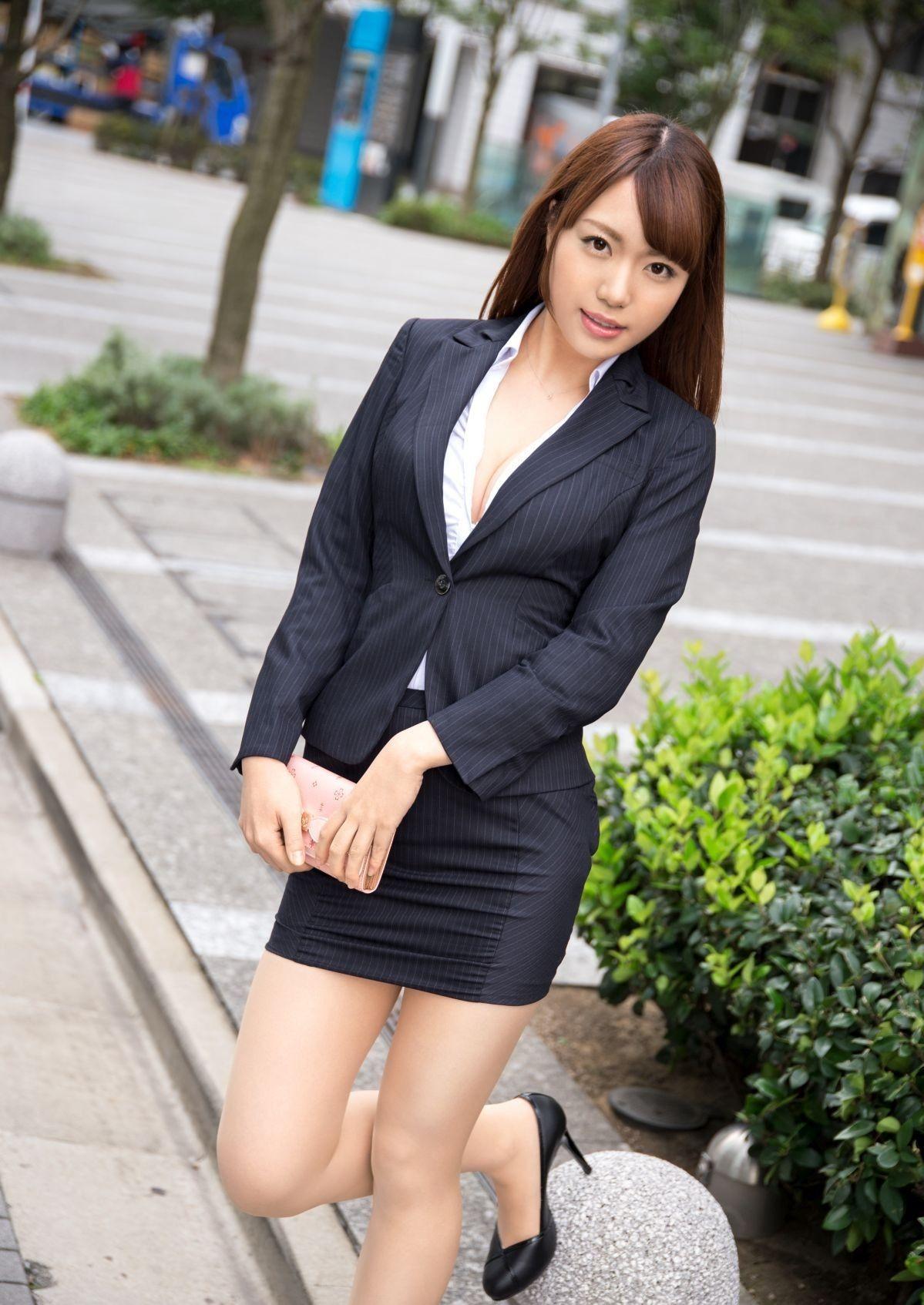 三次元 3次元 エロ画像 スーツ べっぴん娘通信 015