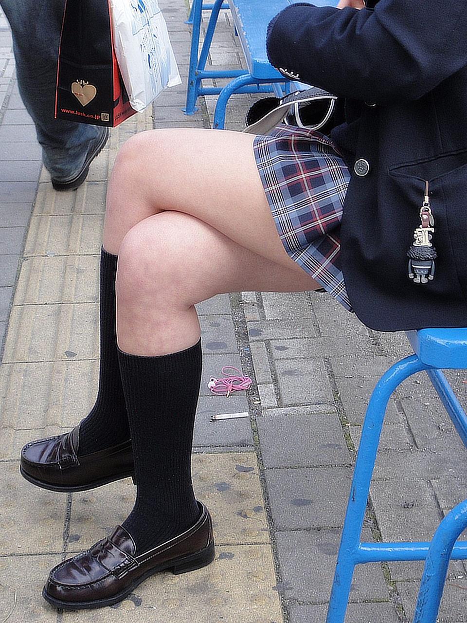 三次元 3次元 エロ画像 足を組む 美脚 べっぴん娘通信 012